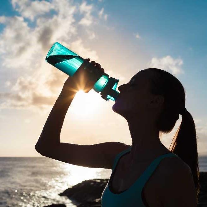 De ce este important sa ne hidratam?